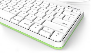 logitech-wired-keyboard-for-ipad2